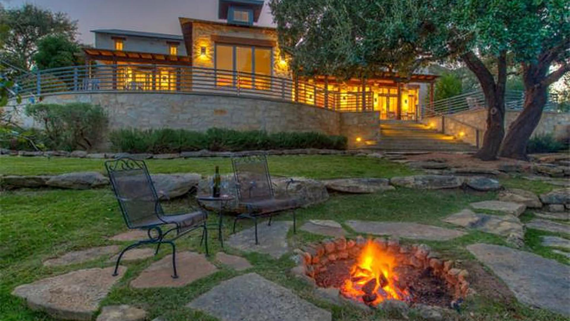 Homes with Patios - 3008 Travis Lakeside Dr