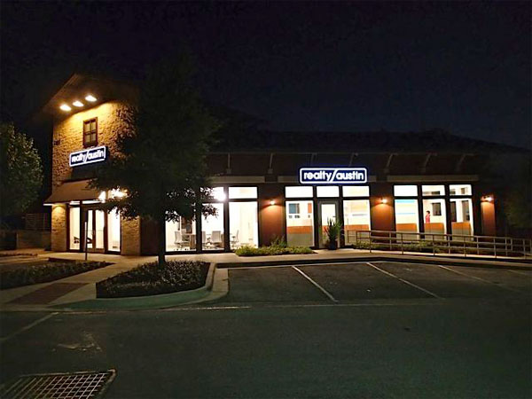 realty-austin-lake-travis-office-night
